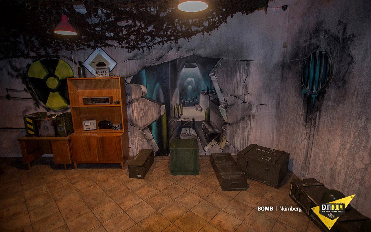 bomb escape room budapest exit the room. Black Bedroom Furniture Sets. Home Design Ideas